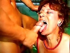 Two grannies are hungry for cumload