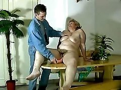 Old slut get cool dildoing on table